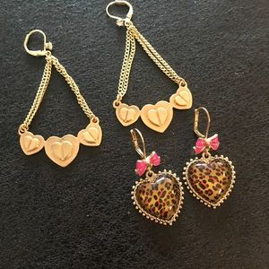 Set of Betsey Johnson Earrings 💗